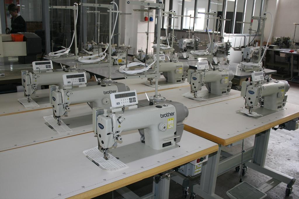 Masini de cusut industriale